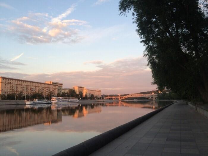 хочу переехать жить в москву