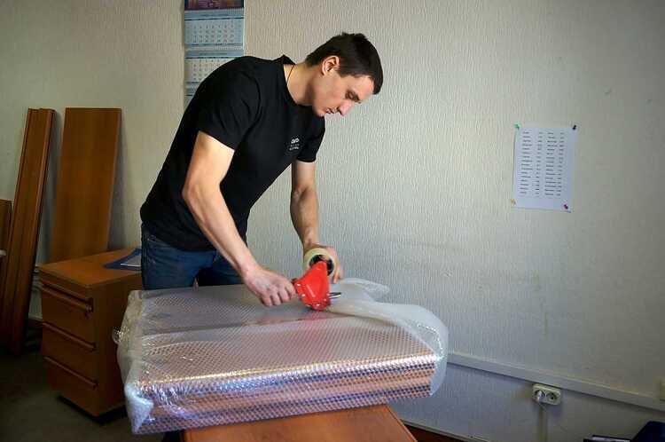 как упаковать мебель при переезде